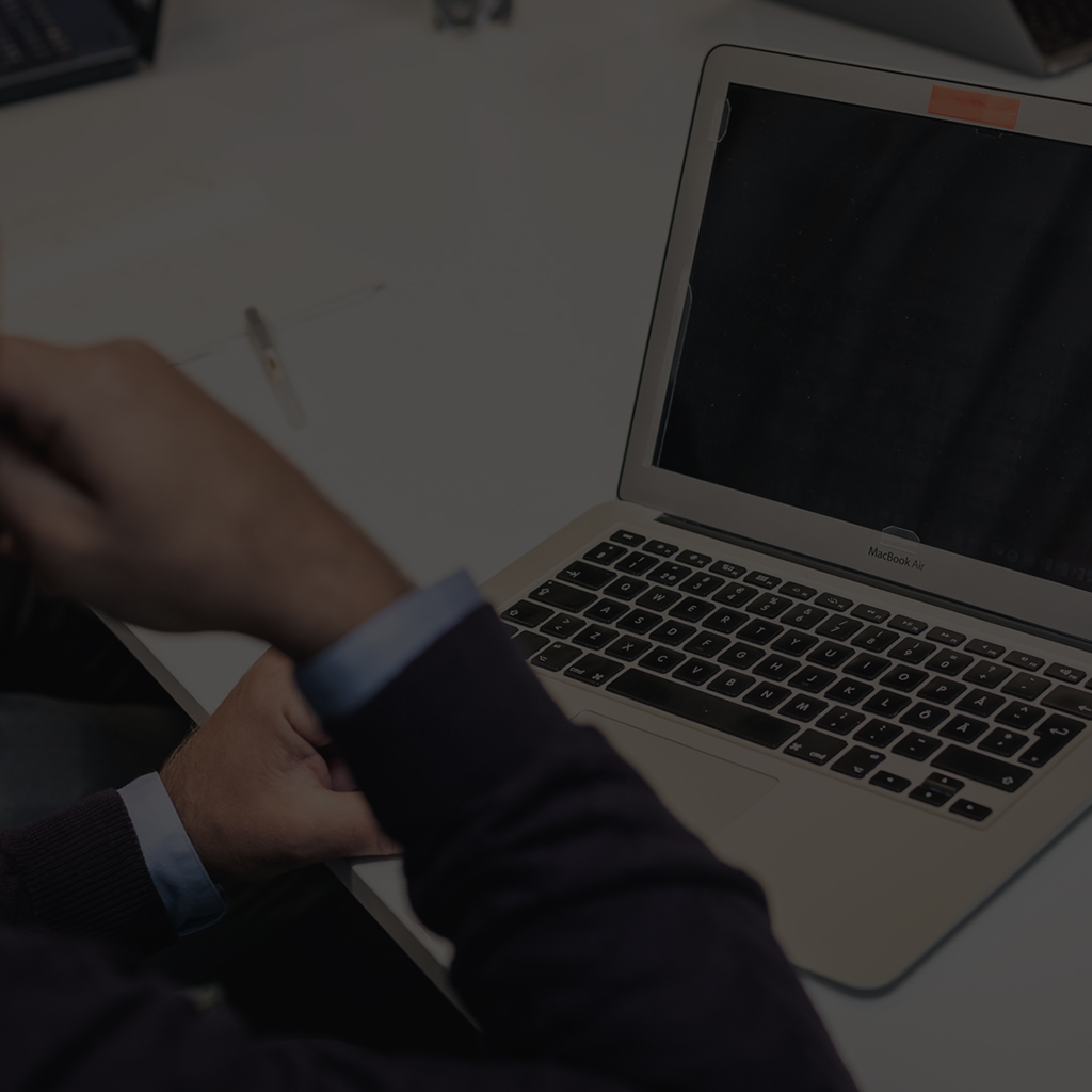 Asiantuntijamme toteuttama tietoturvakoulutus opastaa tunnistamaan haavoittuvuuksia.